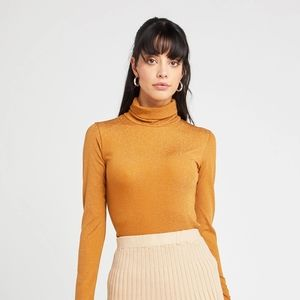 Kourt Westport Turtleneck Top